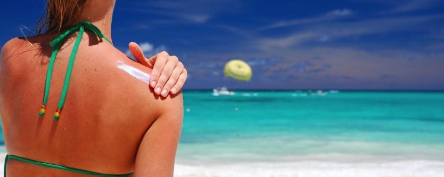 Crema solare: 50, bio, viso o spray... tutto quello che c'è da sapere!